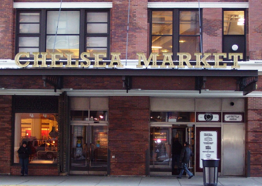 Chelsea_Market_entrance.jpg