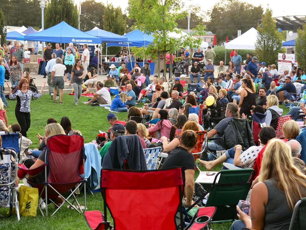 STAR // Maud Busson Fresh fruits and vegetables lined the streets Friday night as hundreds came out to enjoy the music and food of Rohnert Park.