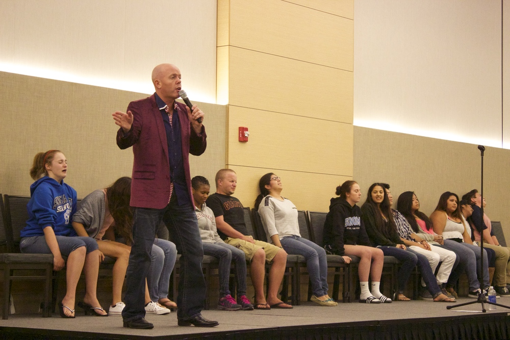 STAR // Jenna Fischer Hypnotist Brian Imbus made a stop at Sonoma State University to put students into a different state of mind where they responded to all of his ridiculous demands.