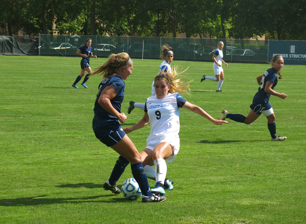 STAR // Maud Busson Cecilia Sifuentes, freshman defender, attempts to gain possession against the Monterey Bay Otters on Friday.