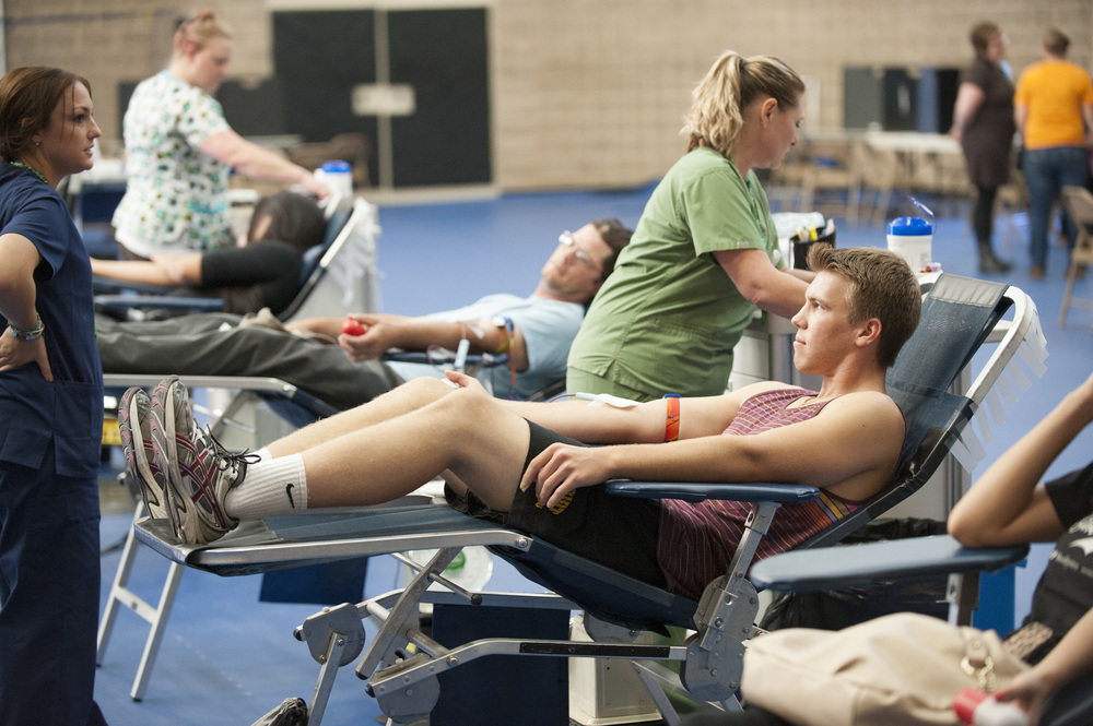 STAR // Connor Gibson (Left) Sonoma State University will hold blood drives at the Recreation Center on Oct. 25 and Nov. 14. (Right) Austin Bregante, a student at SSU, gets ready to donate blood.