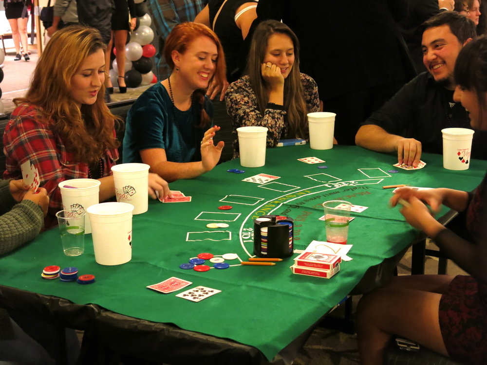 STAR // Maud Busson Casino Night brought games and prizes for an immersion into Las Vegas.