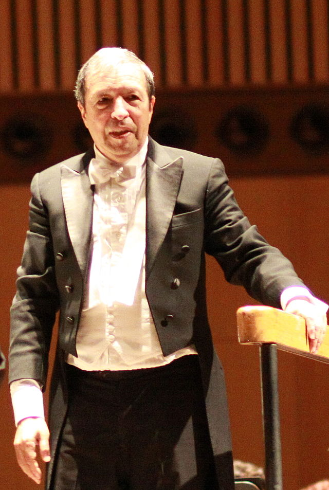 commons.wikimedia.org Murray Perahia has been performing for audiences around the world for more than 40 years before coming to Sonoma State University.