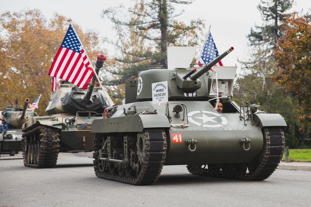 petaluma-veterans-day-parade---brennan-chin_25335804369_o.jpg