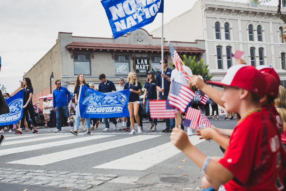 petaluma-veterans-day-parade---brennan-chin_30855173662_o.jpg