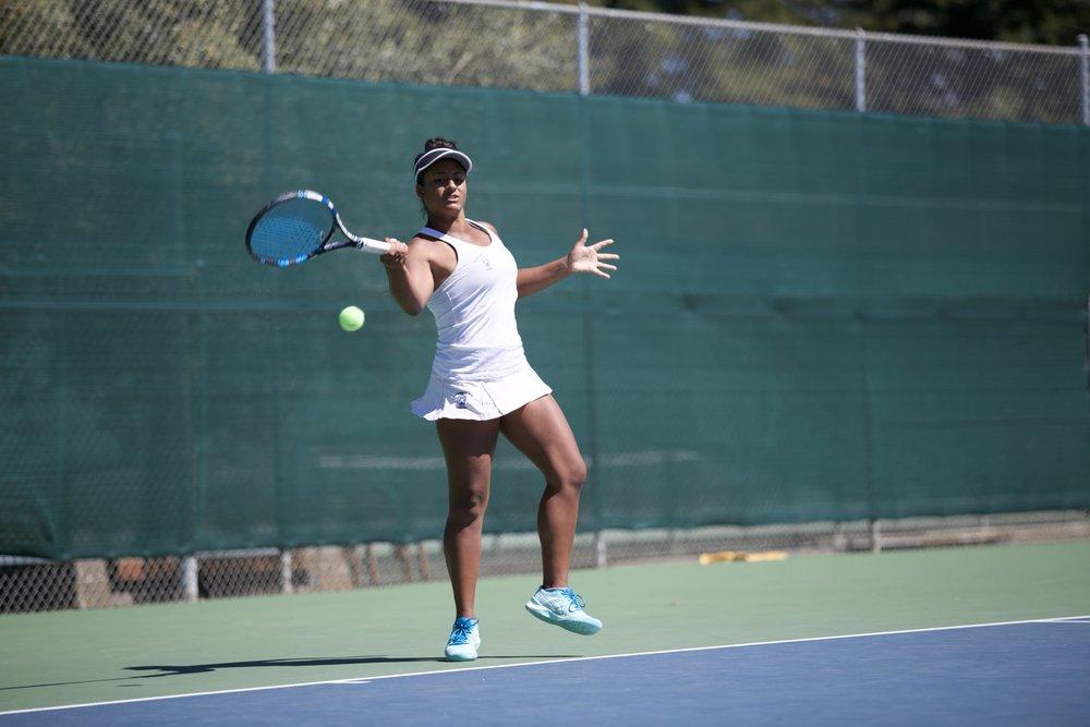 womens-tennis-megan-corcoran_32996710973_o.jpg