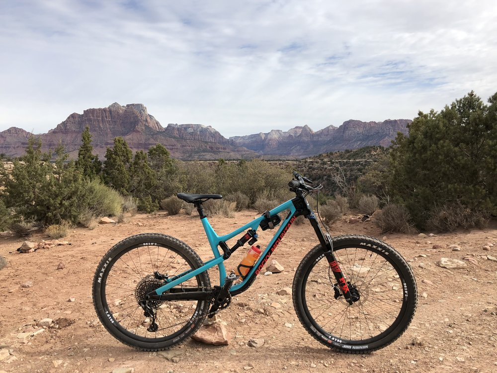 Late Last Year Rocky Mountain Announced The Updated Instinct Model Standard Is A 29 Trail Bike With 140mm Travel Front And Back At Same