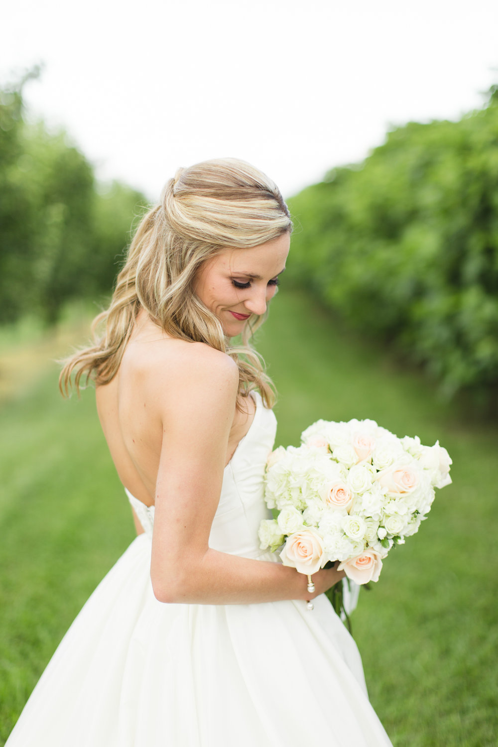 Lynsey Johnson Bridals Chattooga Belle Farm-3525.jpg