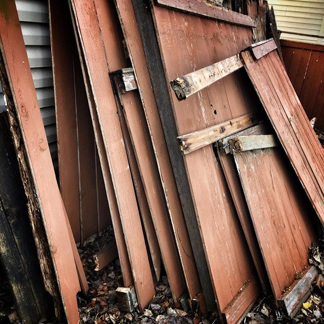 To some this looks like something that needs to be discarded- we see it as hundreds of #handmade #reclaimed #Stonepress frames! Let us know if you are tearing down a fence or barn or whatever and we'll take it off your hands for you. #stonepressprints #xmasgift #handmadegifts
