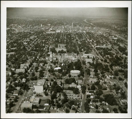 Downtown Waco in the 1940s was a vibrant place. (photo courtesy of the Texas Collection).