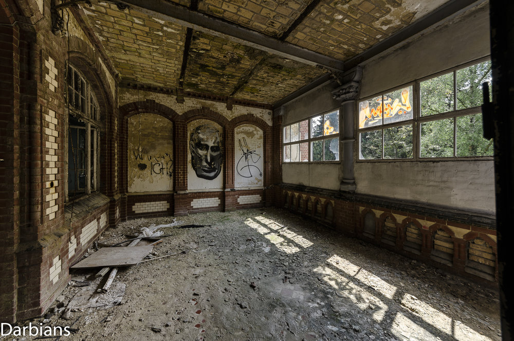 Beelitz Female Pavilions: Another angle of the former balcony.