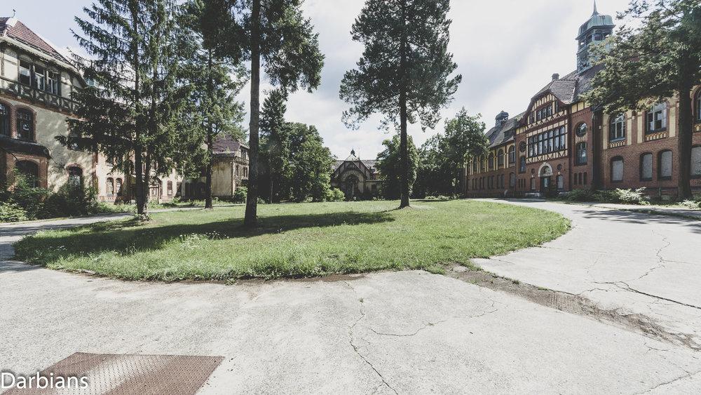 Beelitz Heilstätten Abandoned Sanatorium: bAdministration, male pavilion and the bath house.