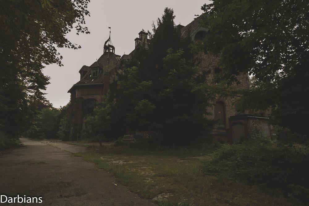 Beelitz Heilstätten Abandoned Sanatorium: So this was the kitchens!!