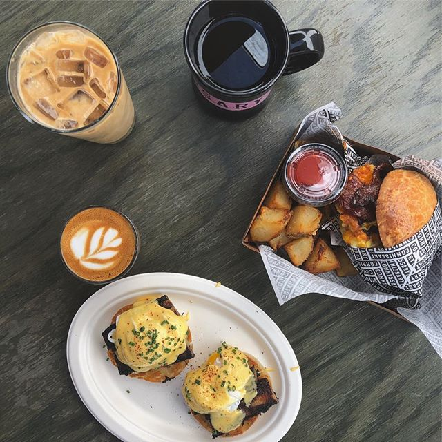 Give Me Brunch or Give Me Death 💕💀💕 • • • #brunch #sunday #sundayfunday #sundaybrunchday #breakfast #coffeetime☕ #coffeeordie #eggsbenedict #coffeeplease #blackcoffee