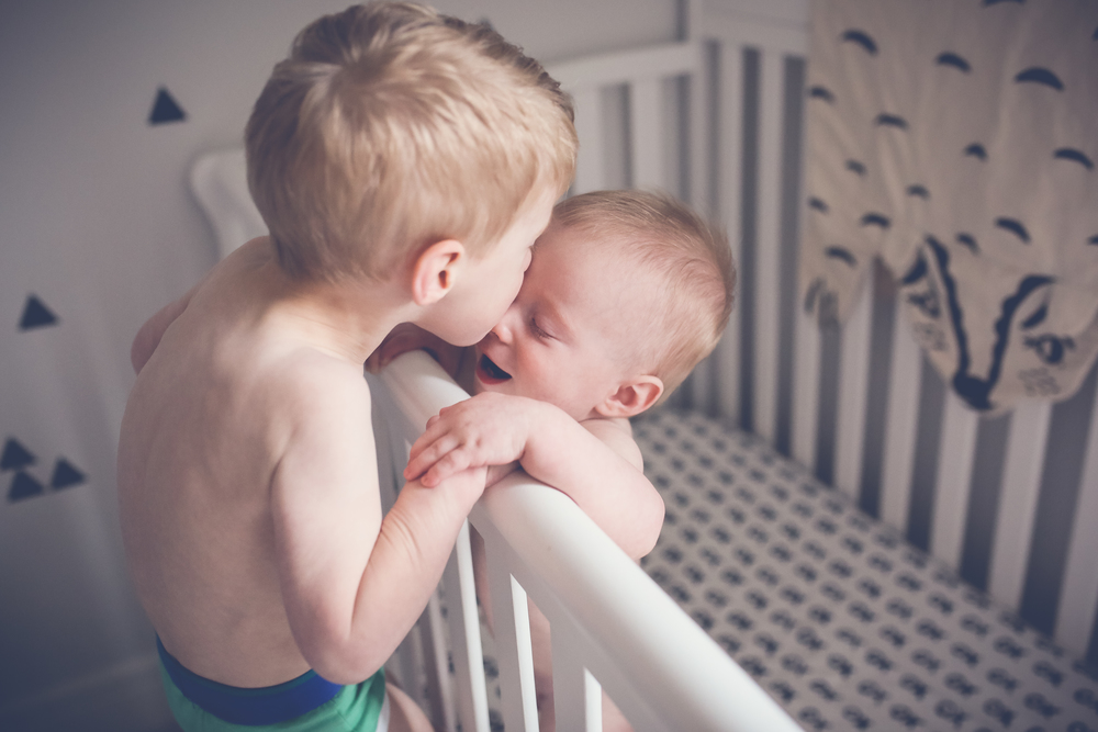 baby-brother-kiss