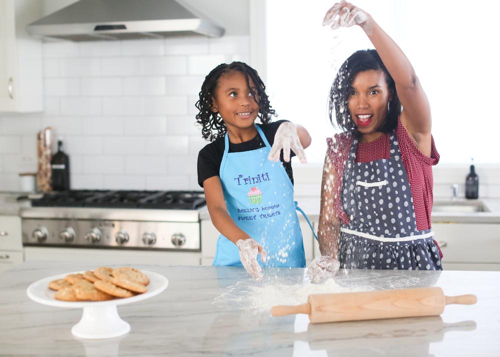 mother-daughter-baking-flour