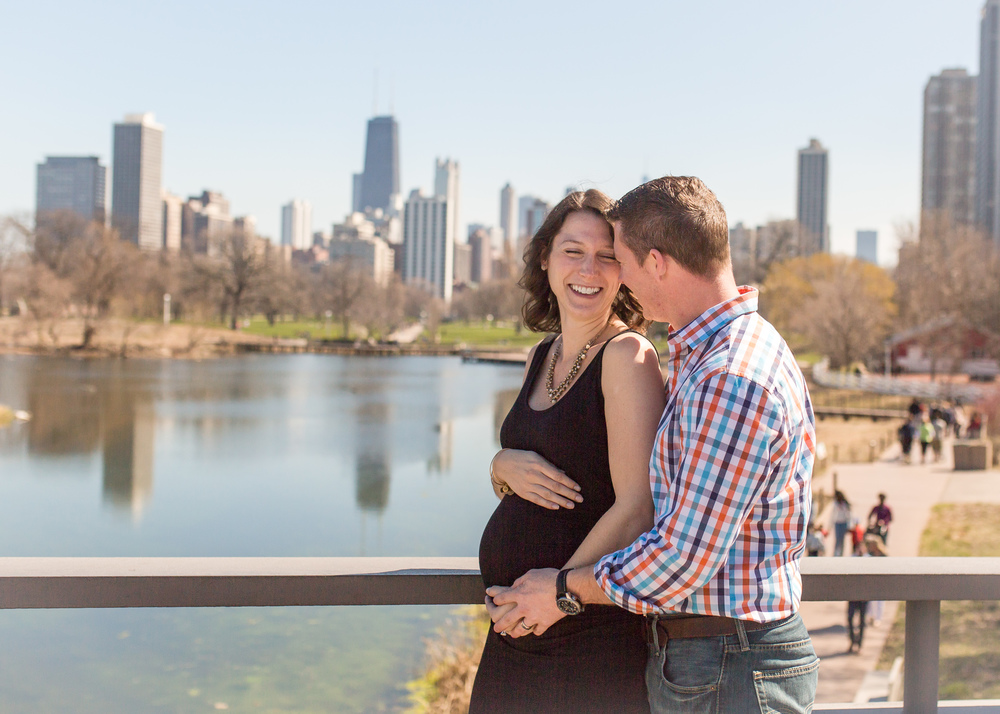 chicago maternity couple