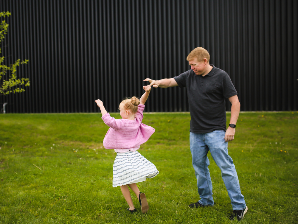 daddy daughter dance twirl