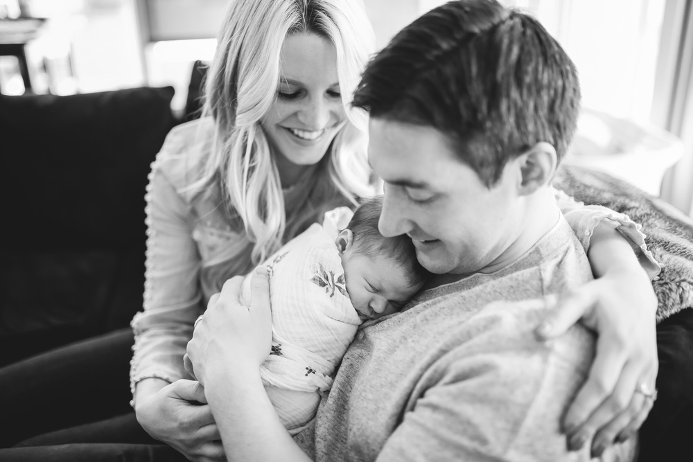 chicago family newborn lifestyle portrait