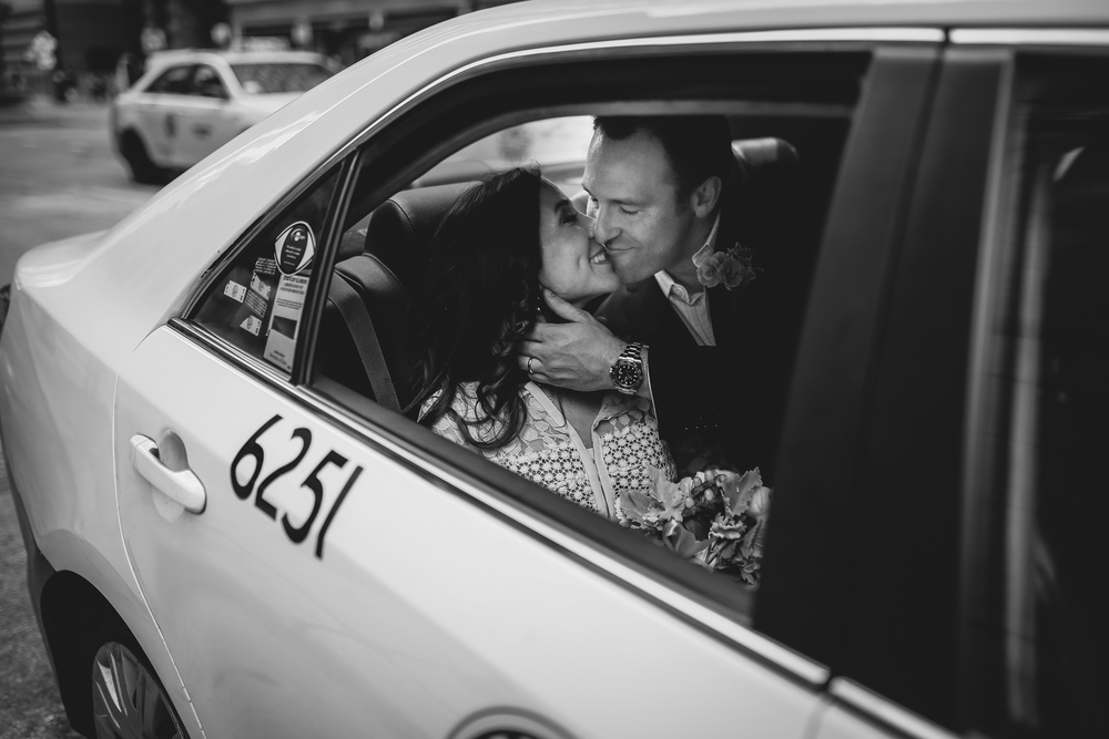 taxi married kiss