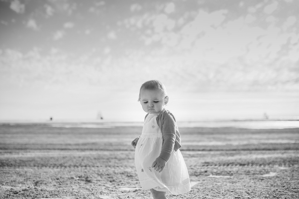 chicago toddler girl on beach