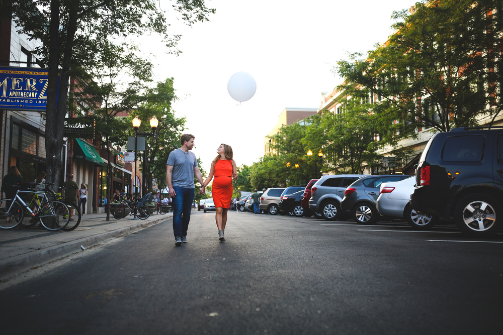 chicago maternity balloon photography