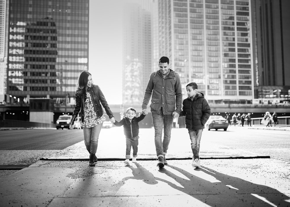 2017(C)JGP_jennygrimm.com-chicago-lifestyle-urban-hispanic-family-photographer-south-loop-monochromatic.jpg