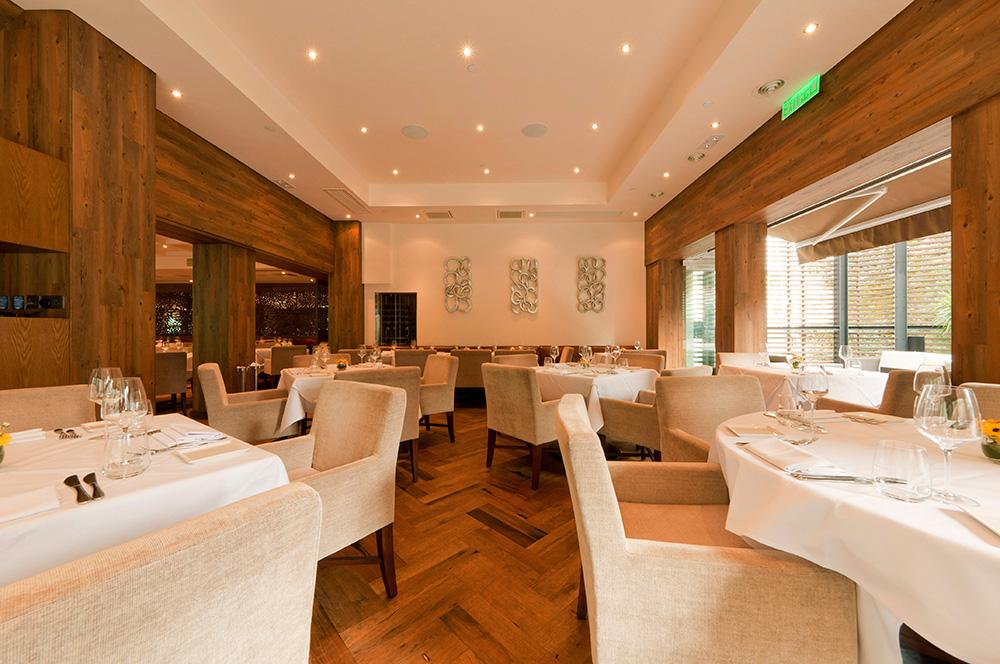 Oolaa Restaurant