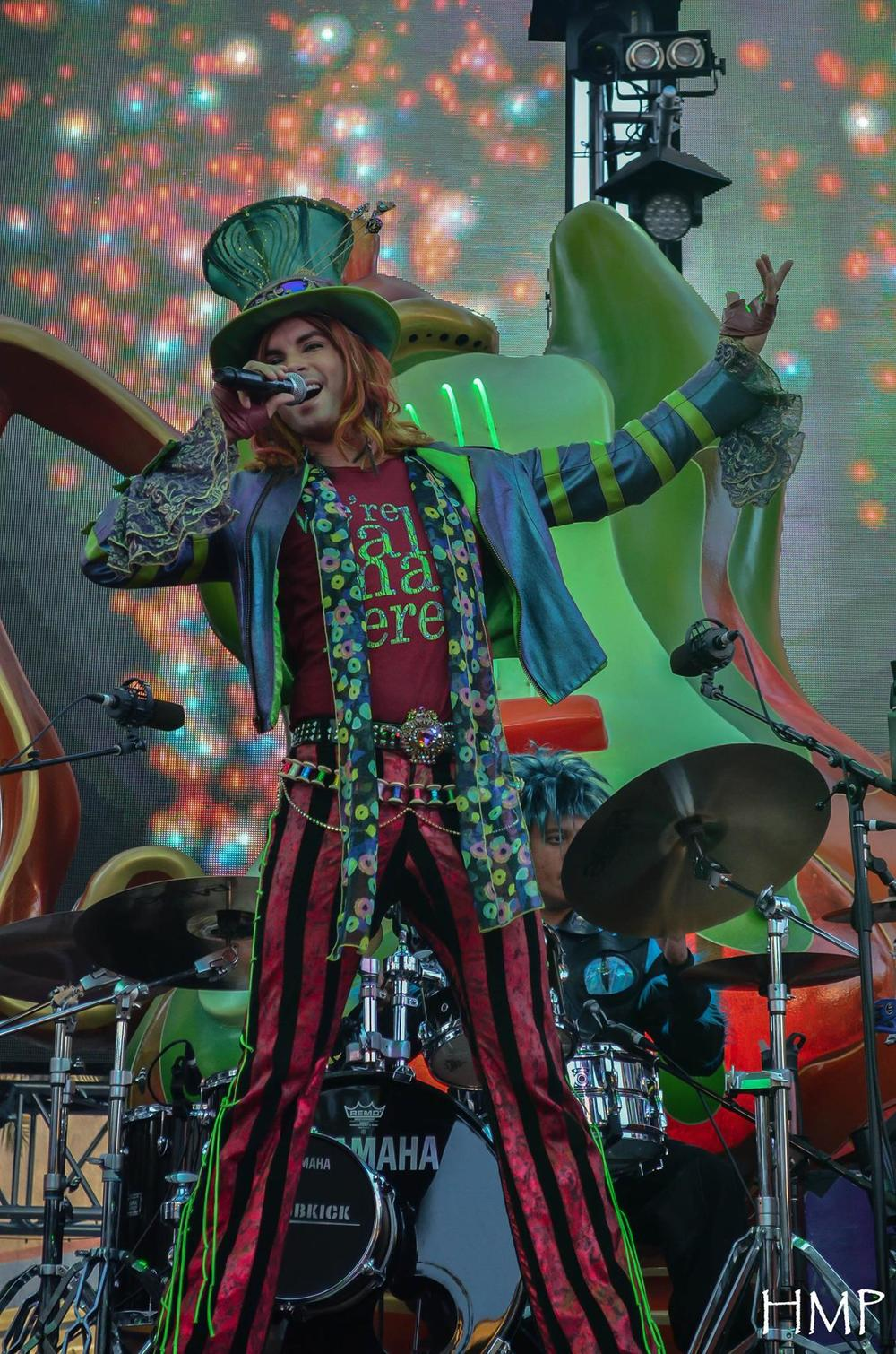 Mad T Photo by Heather Pickett.jpg
