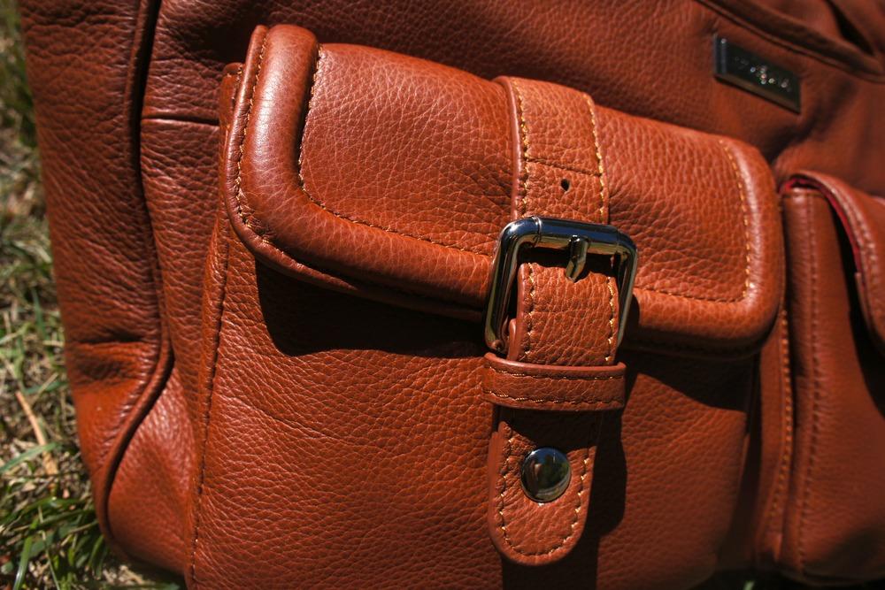 Diaper Bag Review: Lily Jade Elizabeth in Camel via jannyorganically.com  #diaperbag  #designerbag  #lilyjade
