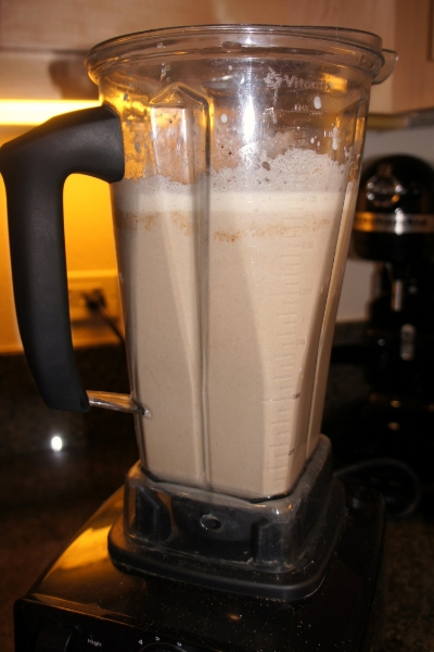 Homemade BluePrint Organic Coffee Cashew Cinnamon Vanilla — janny: organically. #nutmilk