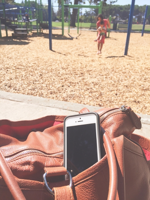 The Cell Phone: A Modern Day Thief of Childhood - janny: organically. #parenting #motherhood #handsfree