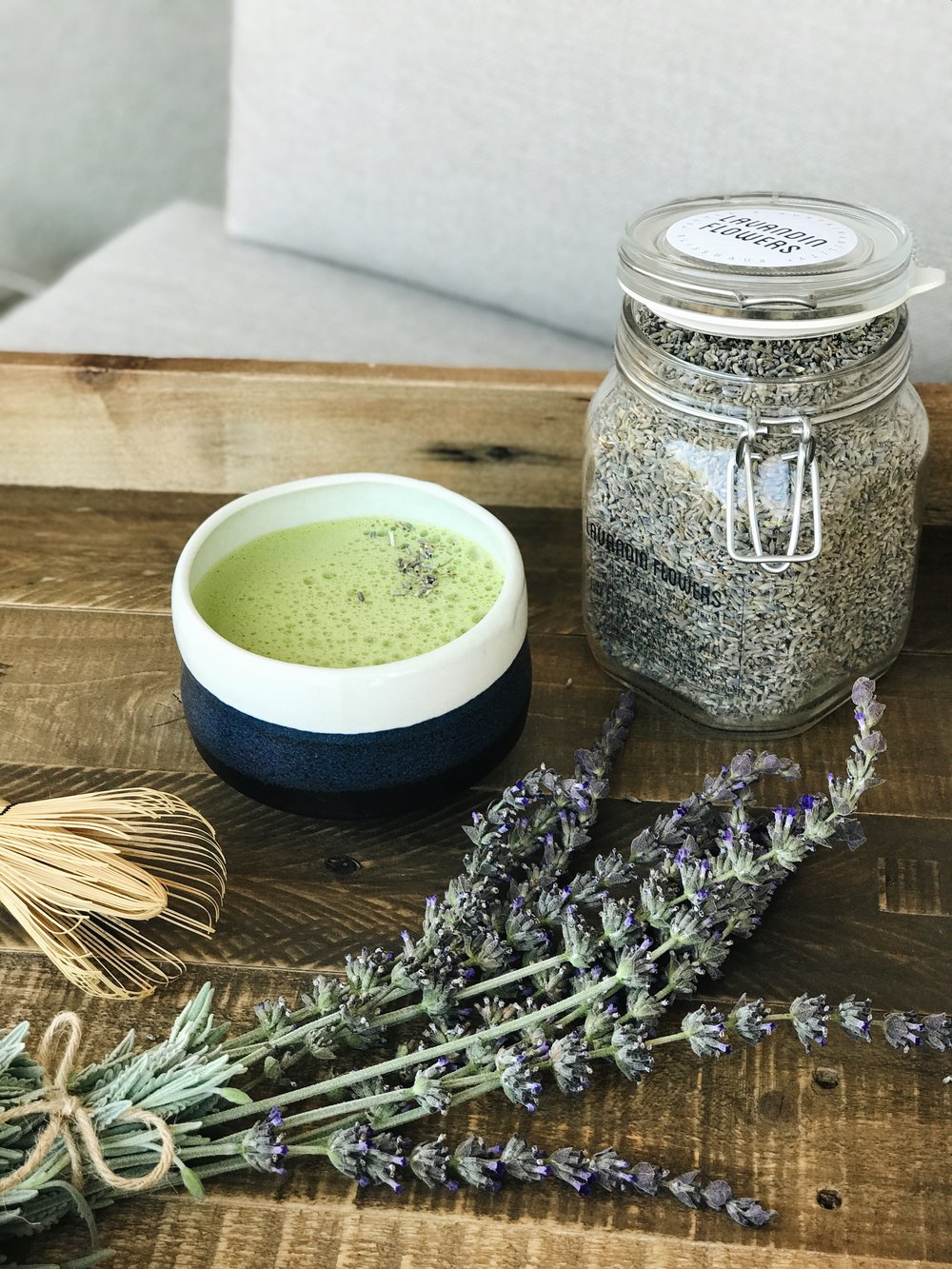 Easy + Delicious Lavender Matcha Latte | janny: organically.