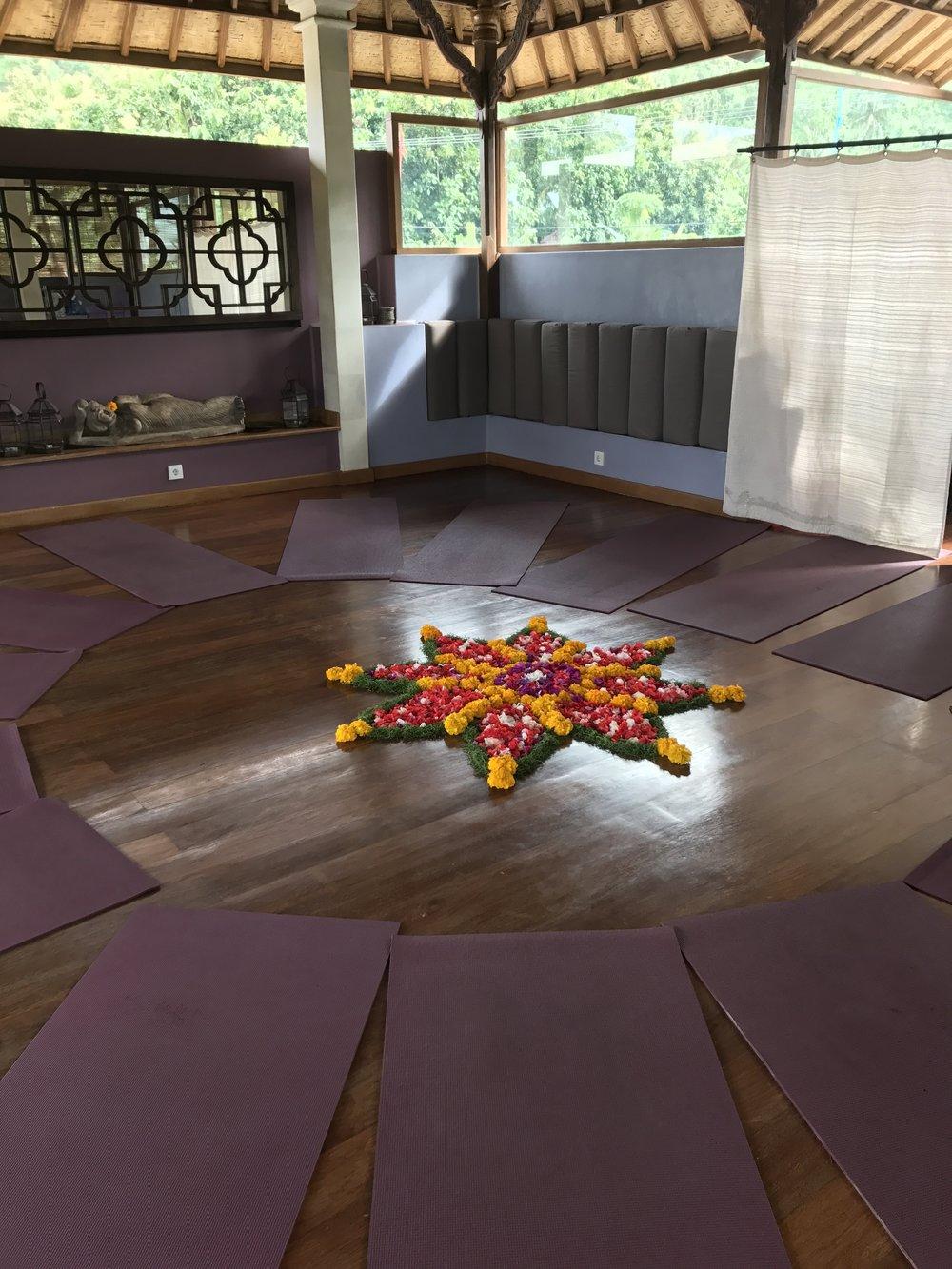 bali retreat yoga kundalini yoga nickoline camille johansson soul fitness