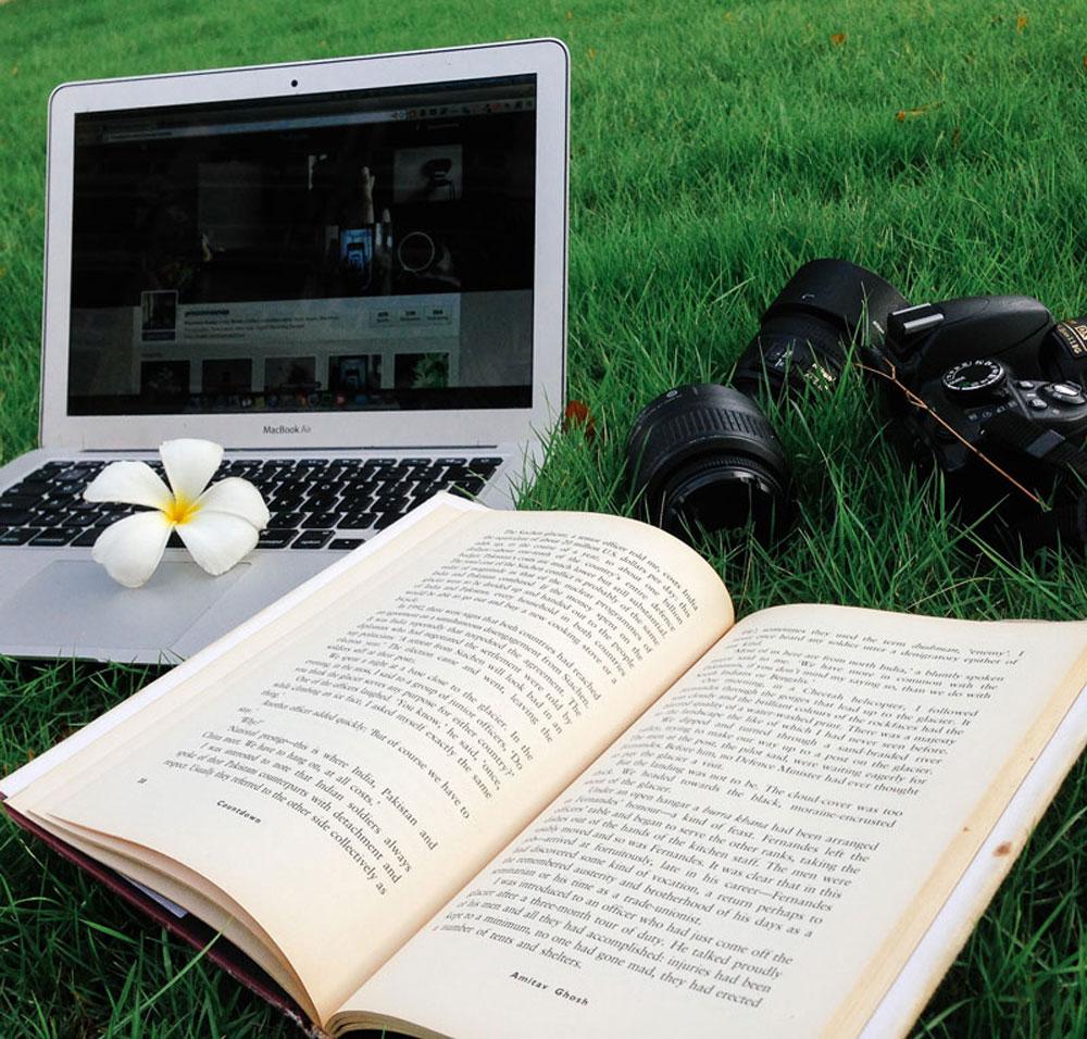macbook-books