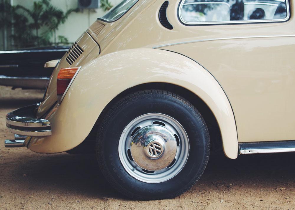 volkswagen-beetle-vintage-car