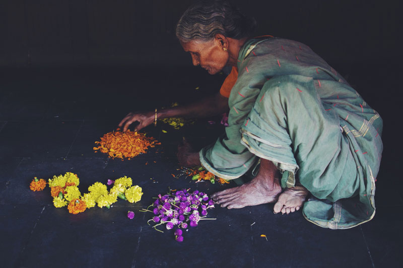 dakshinachitra-chennai-flower-vendor