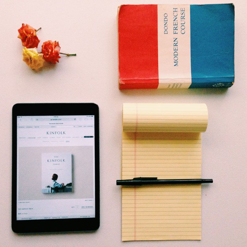 ipad-notebook-roses-minimal