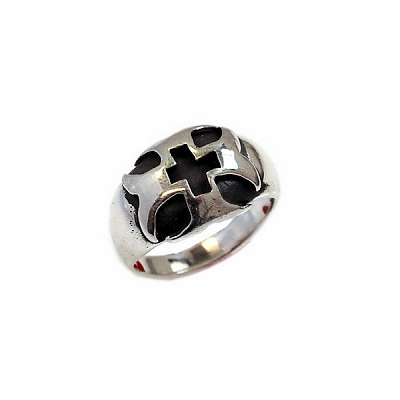 Dome Cross Ring