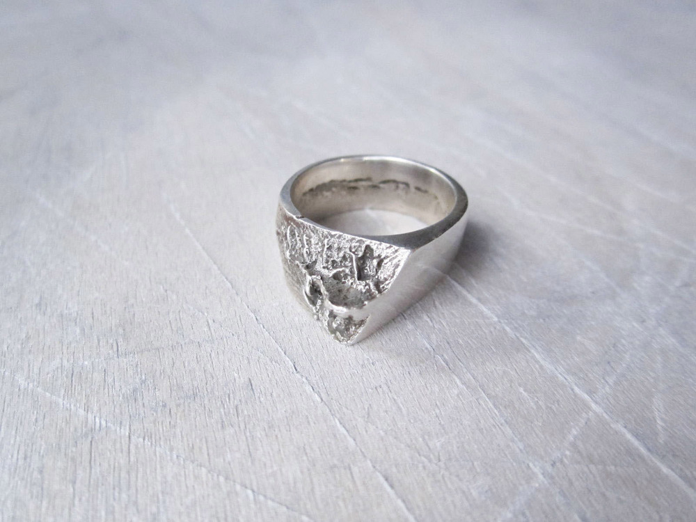 Silver Upheave Ring