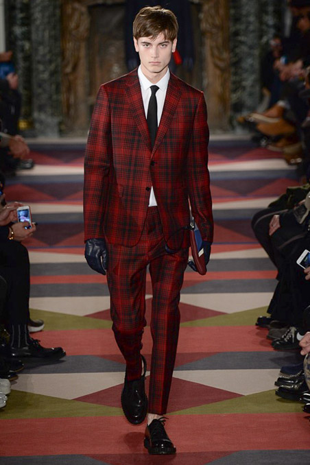 Valentino Fall 2015 Menswear: Photo: Yannis Vlamos / Indigitalimages.com