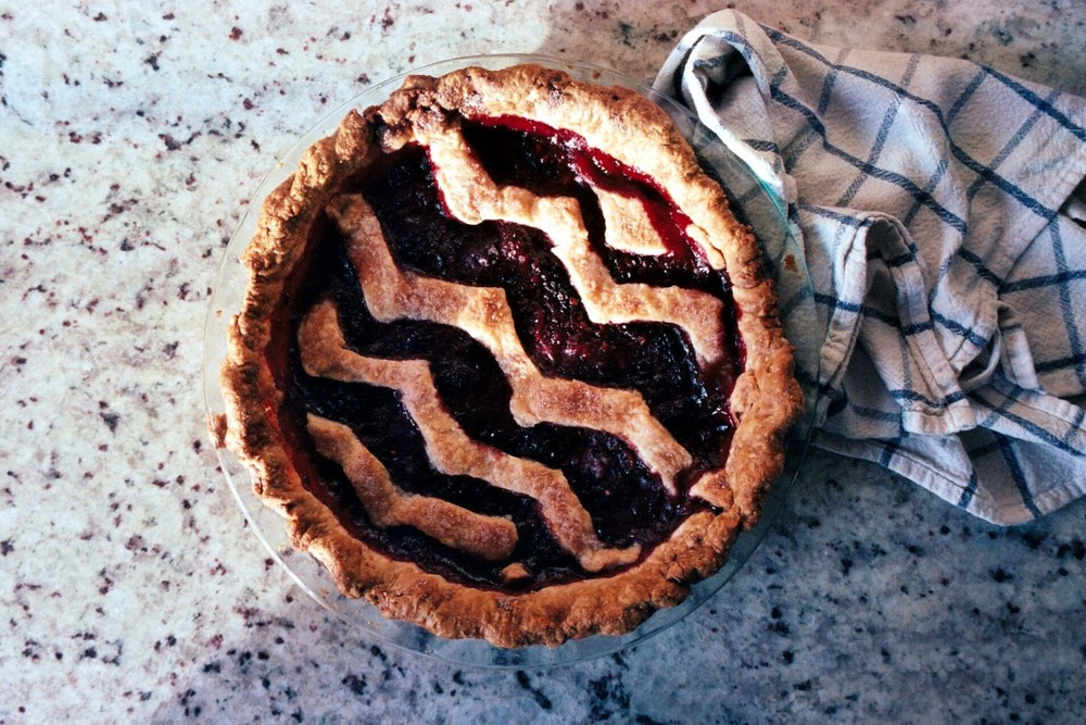 blackberry zig zag pie
