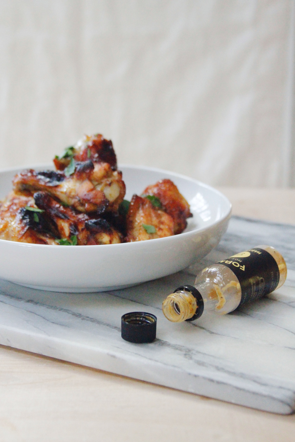 Sticky and spicy chicken wings //  a little gathering