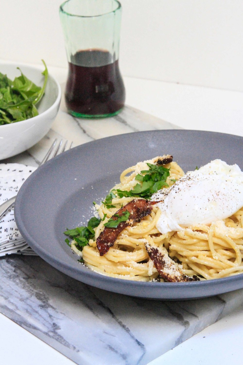 Spaghetti carbonara with a poached egg