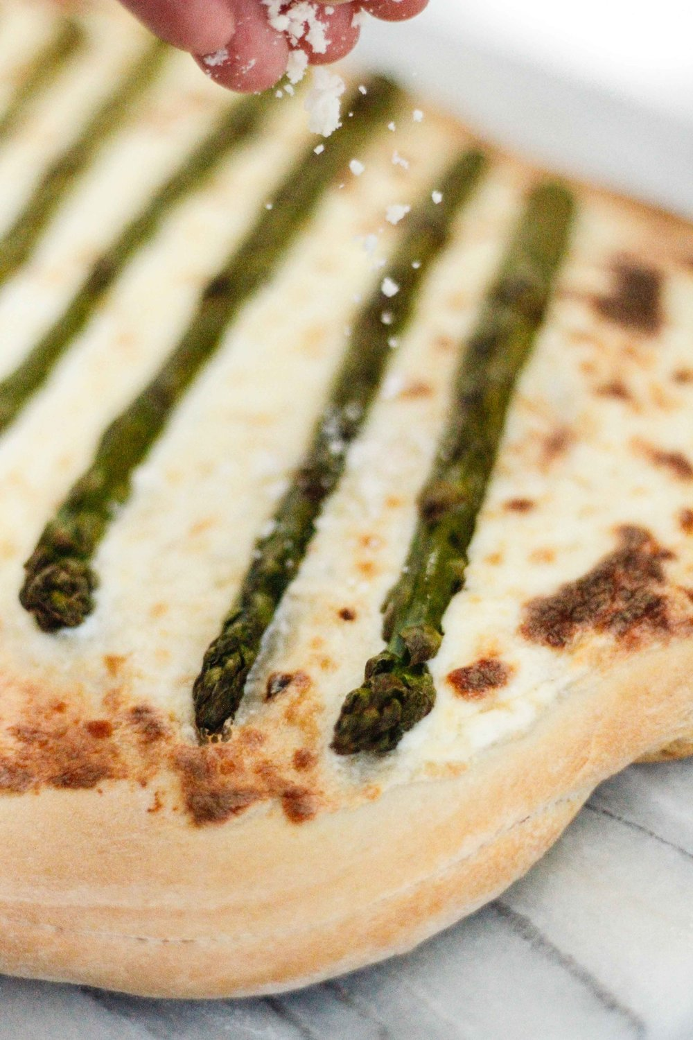Spring pizza with asparagus and lemon
