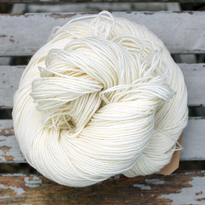 Type 49115  4ply Sock HT   100% Superwash Bluefaced Leicester wool                                            100g hanks 365m per 100g