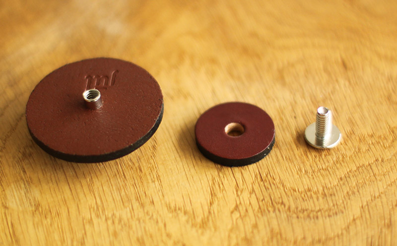 Leather button in pieces