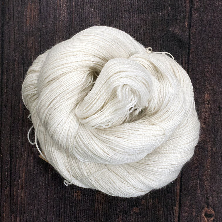 Type 49036 Sparkle Angel Lace 65% Baby Alpaca 20% Silk 10% Cashmere 5% Stellina 100g Hanks 800m per 100g 2/16nm