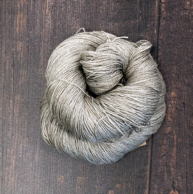 Type 49042  Tibetan Lace  60% Superwash Merino 20% Silk 20% Yak   100g Hanks                          800m per 100g                   2/16nm
