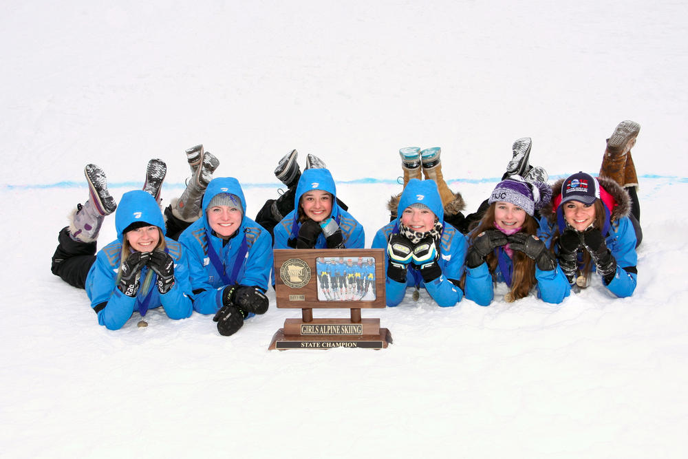 Emily Aga (left), Ashley Fitterer, Hannah Moen, Payge Fitterer, Alex Stone and Grace McGuire    Photo credit: Bill Johnson / Brainerd Dispatch